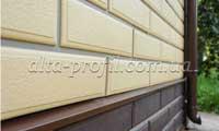 обшивка дома фасадной панелью Венеция