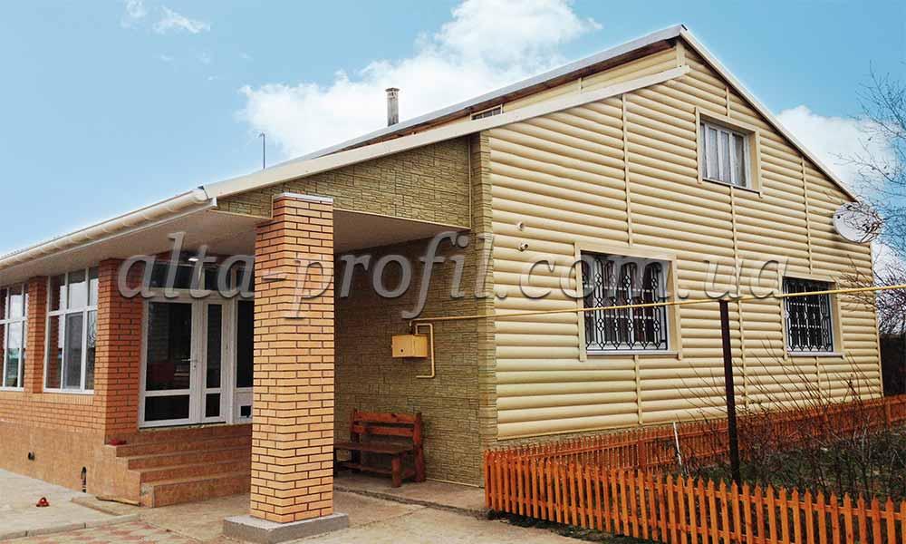 Дома с садингом блок хаус виниловый, фото