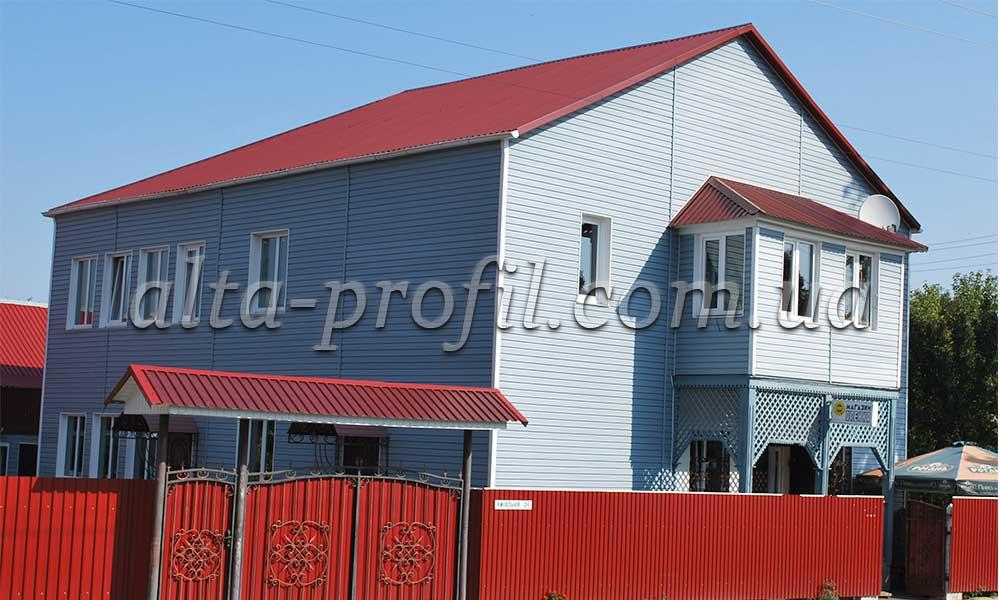 Фото дома с сайдингом альта-серо-голуб