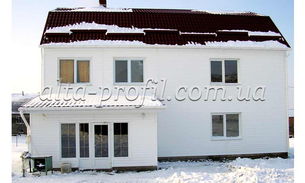 фото сайдинга белого на фасаде дома