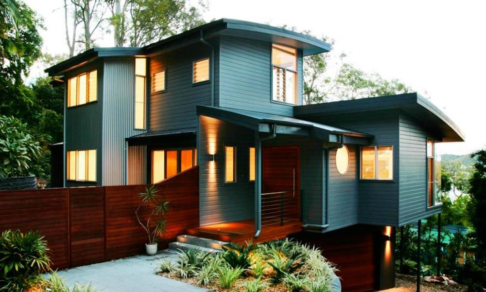 фото дома с серым сайдингом в стиле модерн