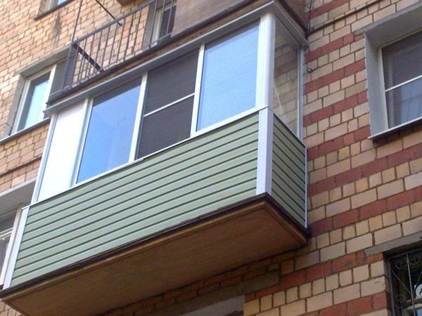 Обшивка балкона сталинки