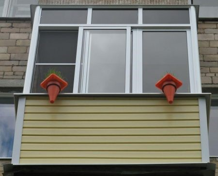 Обшивка балкона хрущевки