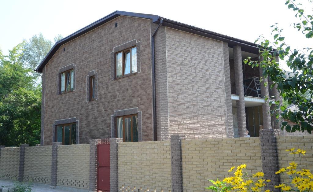 kamen kvarczit fasadnaya panel alta smal5