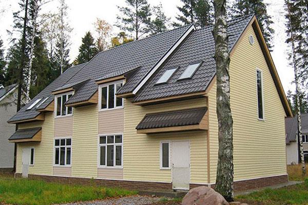 реновация дома виниловым блокхаусом