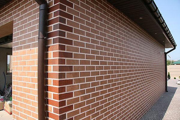 реновация фасадными панелями под кирпич